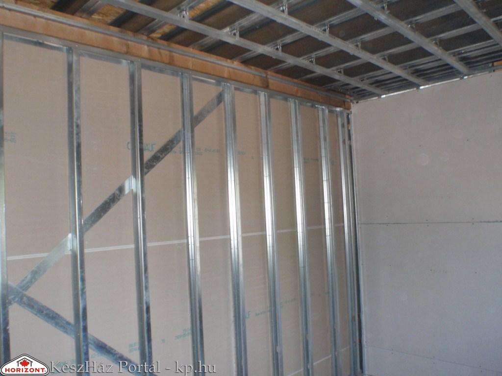 Photo of Könnyűszerkezetes családiház építése. Falszerkezet építés. (16-18. munkanap)