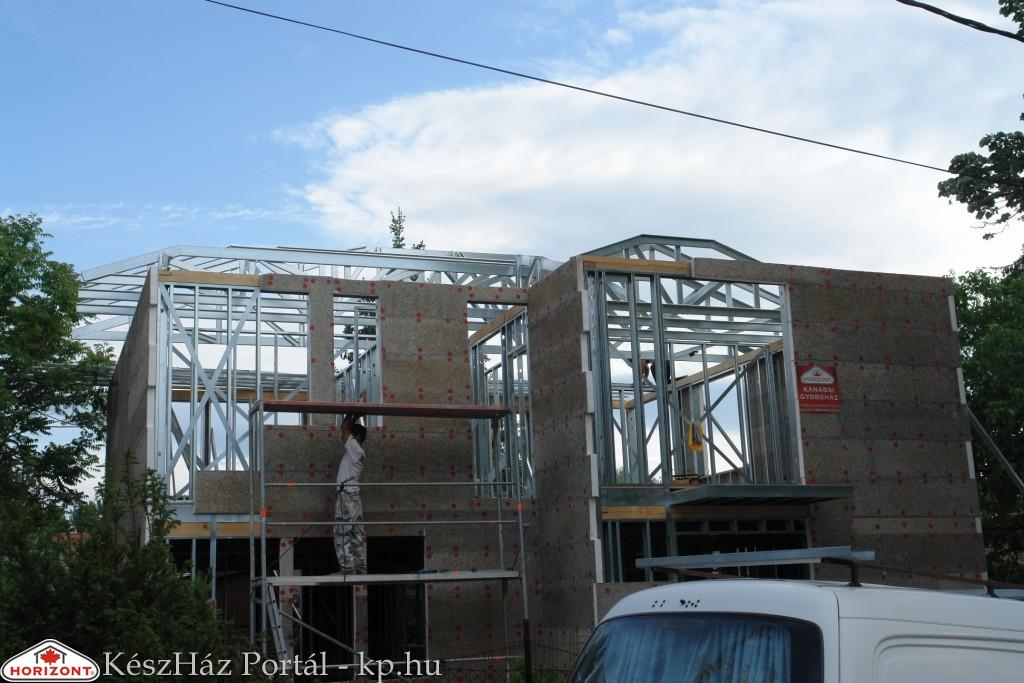 Photo of Készház építés. 11-13. nap. EnergyFriendHome készház acélszerkezetes tetőszerkezet készítése