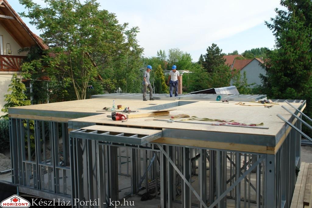 Photo of Készház építés. 8-9. nap. A második szint EnergyFriendHome acélszerkezetes falak és koszorú készítése