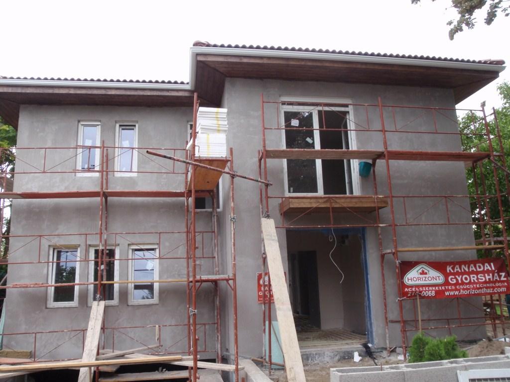 Photo of Könnyűszerkezetes házépítés 51. nap. Ereszcsatorna felszerelése