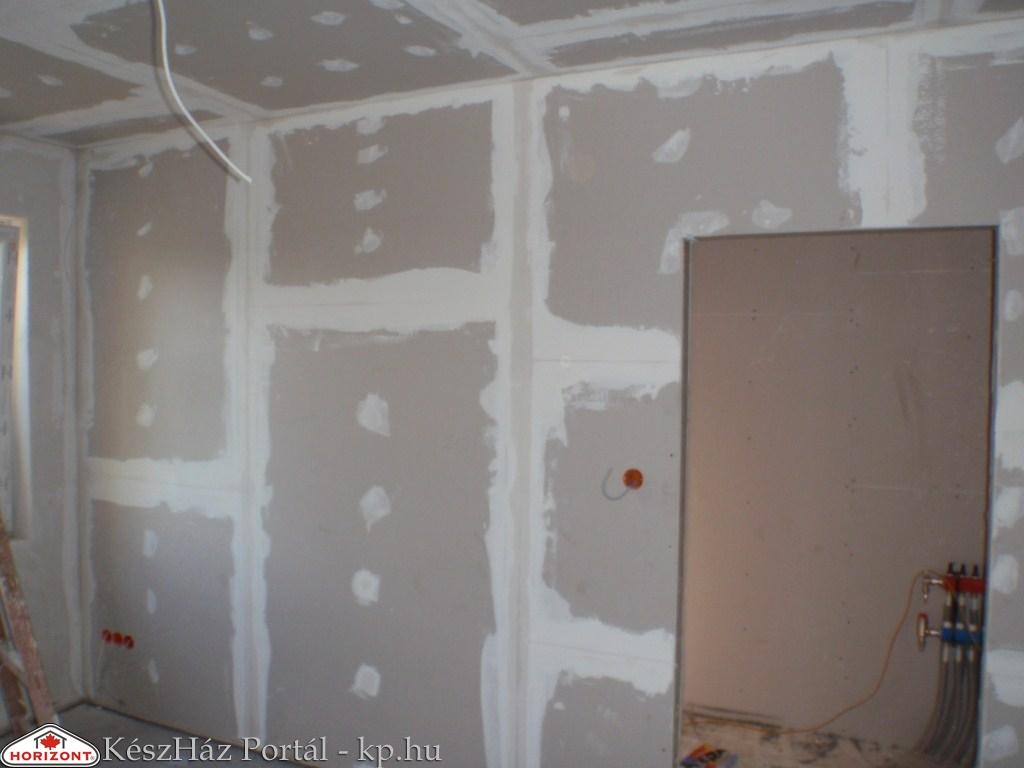Photo of Családi ház belső glettelése, festése 81-93.nap