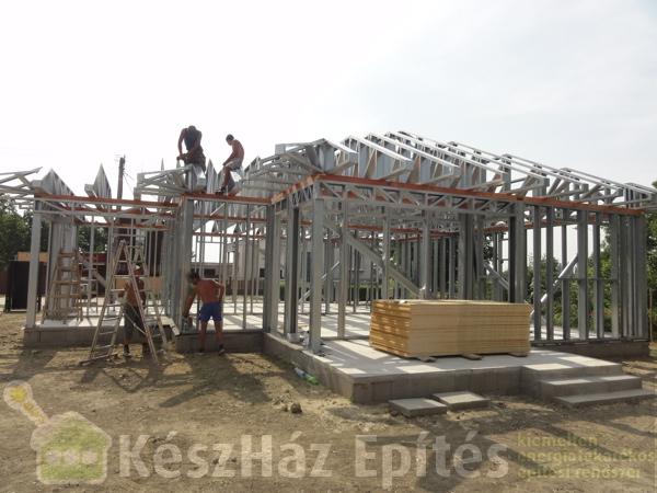Photo of Könnyűszerkezetes acélvázas családi ház szerkezetépítés