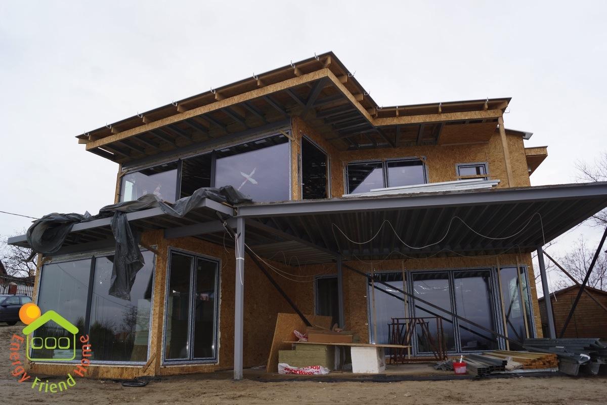 Photo of Könnyűszerkezetes családiház ablak és vezérelt árnyékolástechnika rendszerének beépítése